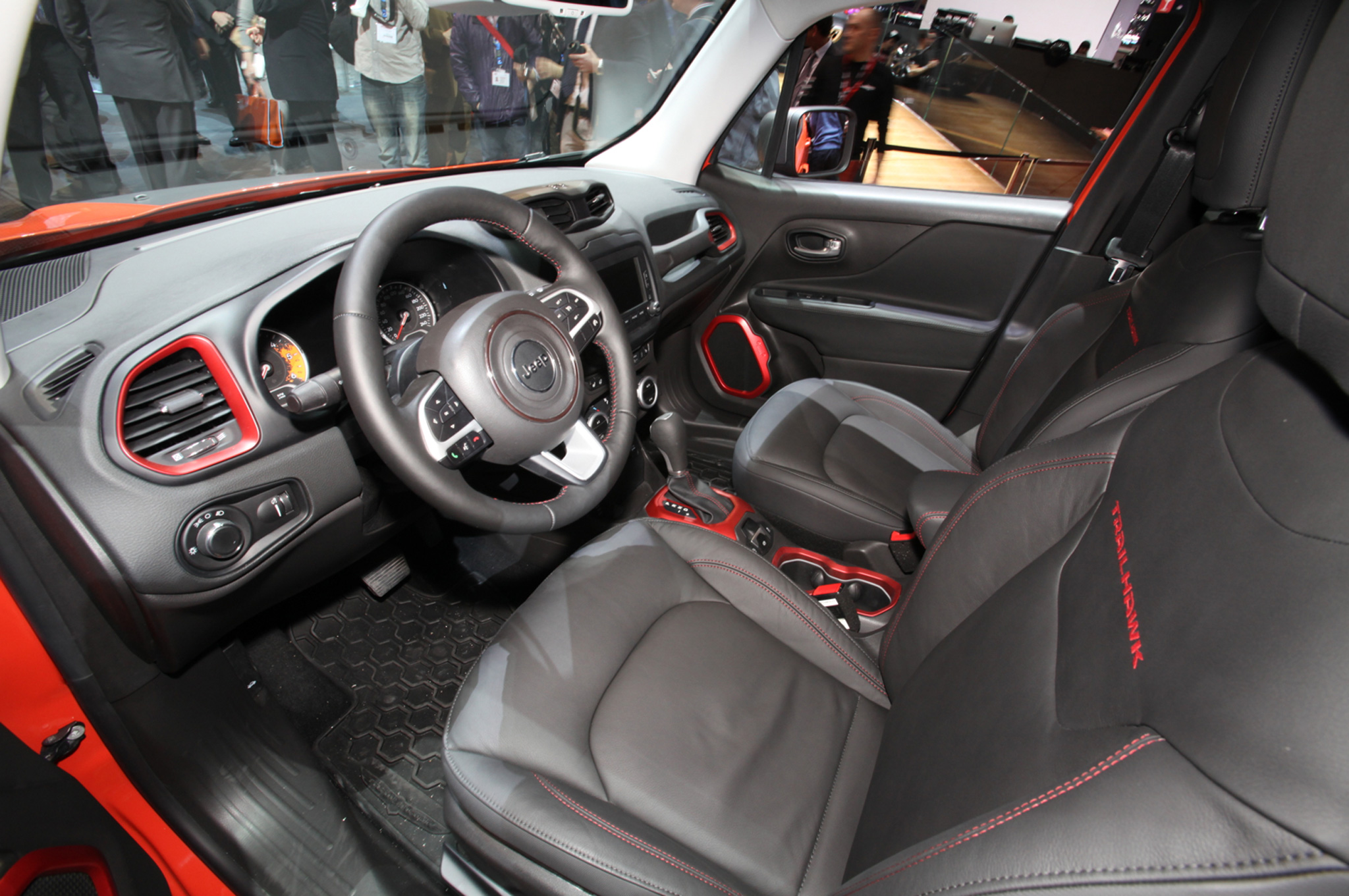 adorable-design-of-the-black-ad-red-accents-seats-ideas-added-with-black-dash-as-the-jeep-renegade-2015-interior