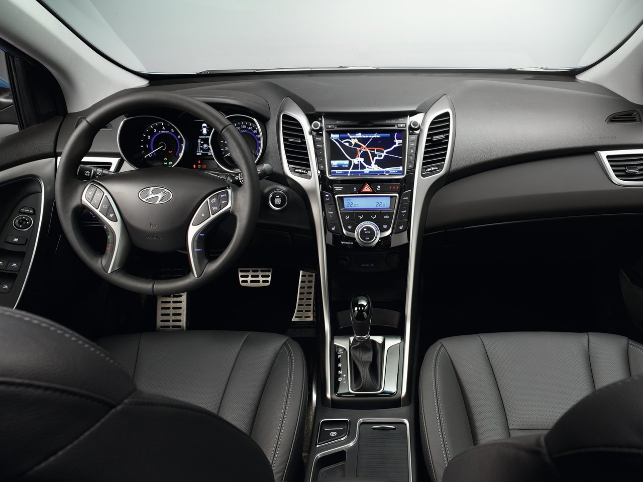 adorable-design-of-the-black-and-silver-accents-ideas-with-black-seats-ideas-as-the-hyundai-i30-2015-interior-ideas