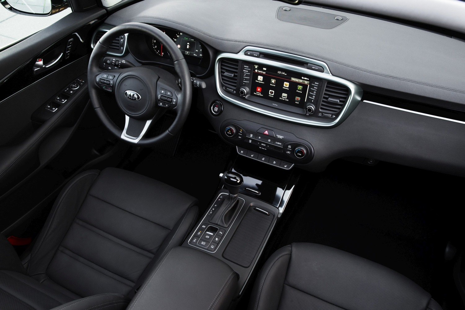 adorable-design-of-the-black-seats-ideas-with-blak-and-silver-accents-dash-ideas-as-the-kia-sorento-2015-interior