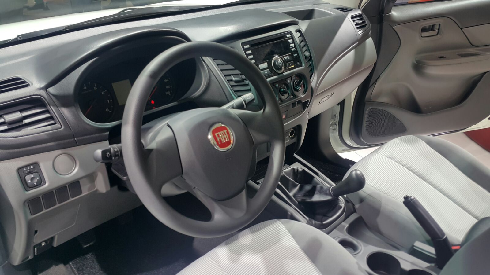 adorable-design-of-the-grey-seats-ideas-with-black-dash-ideas-with-black-steering-wheel-as-the-fiat-fullback-2016-interior