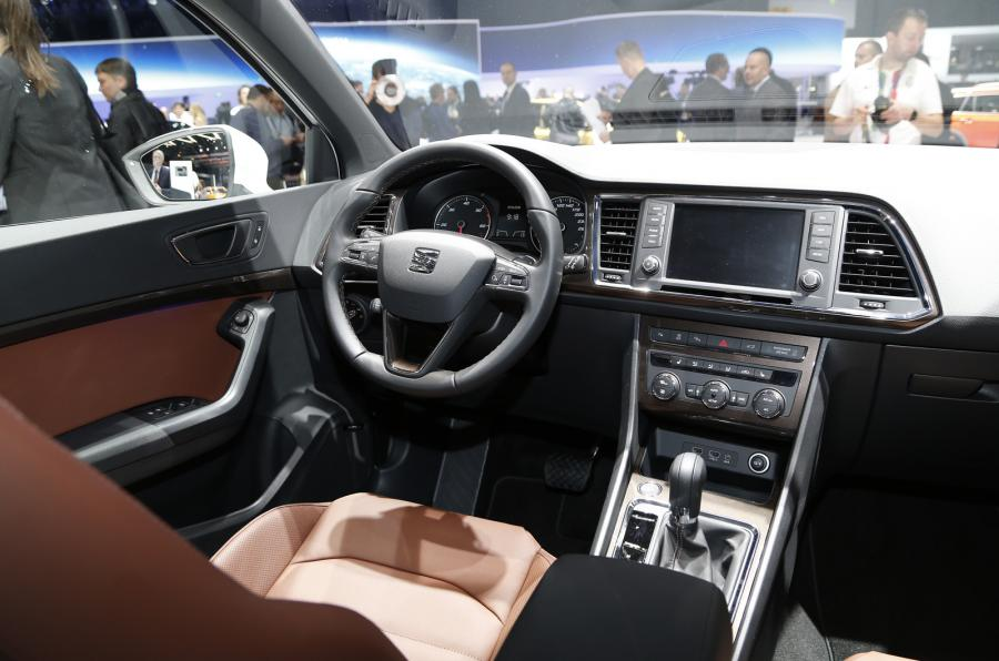 adorable-design-of-the-white-dash-with-black-steering-wheels-added-wit-brown-seats-as-the-seat-ateca-2016-interior-ideas