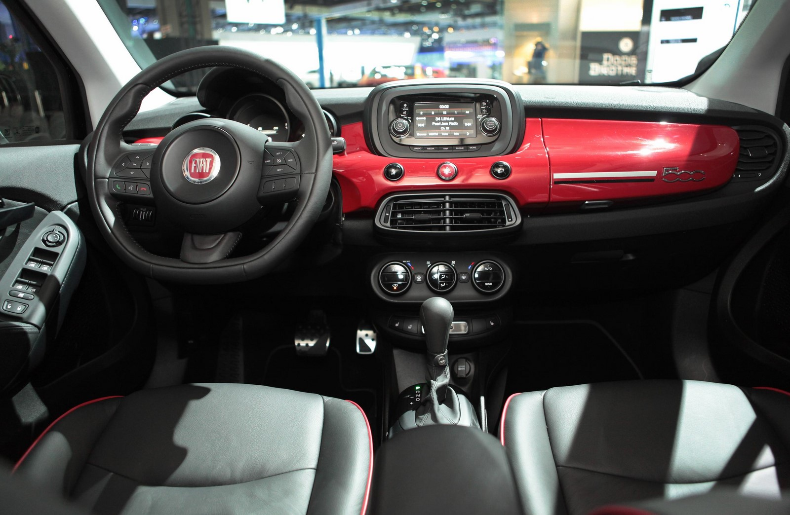 amazing-design-of-the-black-and-red-dash-ideas-with-balck-steering-wheels-as-the-fiat-500x-2015-interior