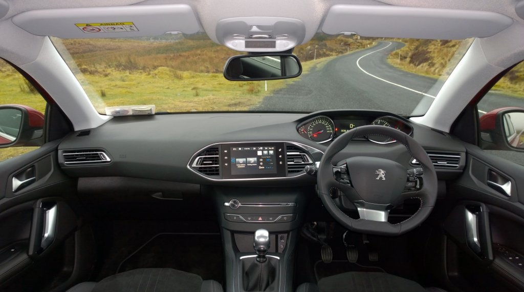 amazing-design-of-the-black-dash-ideas-with-black-steering-wheels-ideas-as-the-peugeot-308-2014-interior