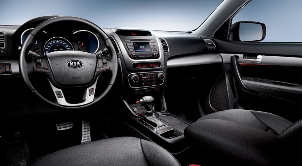 amazing-design-of-the-black-leather-seat-of-the-kia-sorento-2015-interior-as-the-interior-design