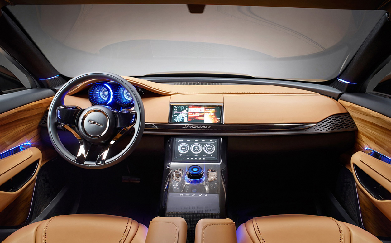 amazing-design-of-the-brown-wooden-dash-with-black-color-and-brown-seats-as-the-jaguar-f-pace-2016-interior-ideas