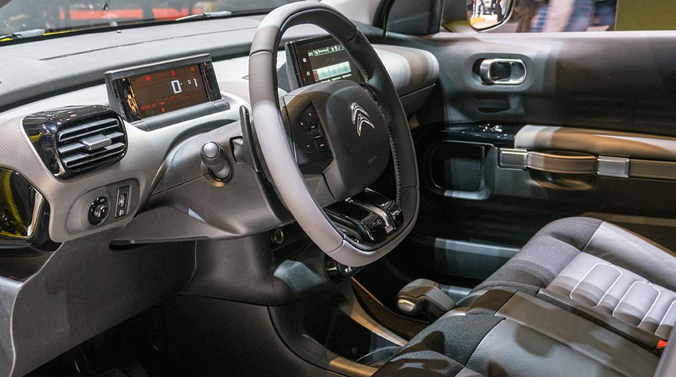 amazing-design-of-the-citroen-c4-2015-interior-with-grey-and-brown-accent-dash-ideas-with-grey-seats-ideas