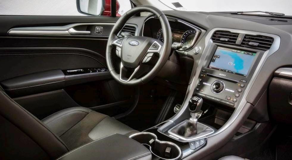amazing-design-of-the-ford-mondeo-2015-interior-with-black-and-silver-accent-dash-ideas-with-black-seats-ideas