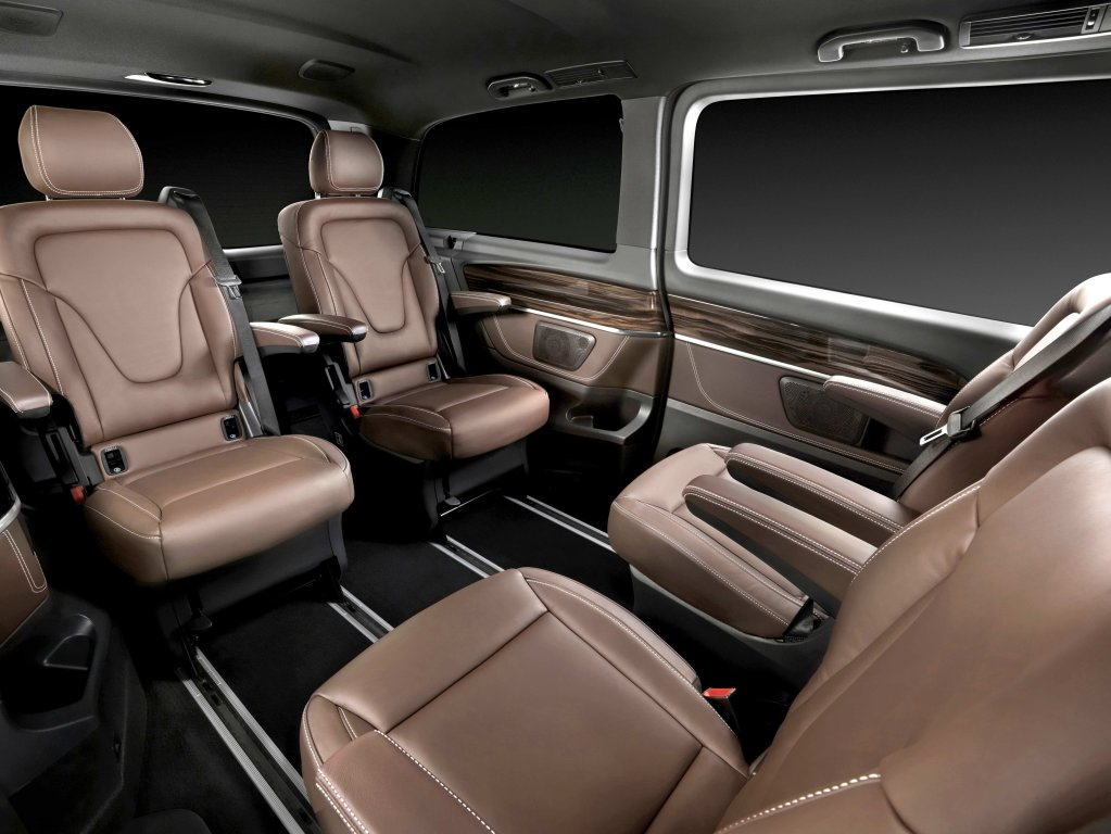 amazing-design-of-the-mercedes-benz-v-class-2015-interior-with-brown-leather-seatas-added-with-black-floor-ideas