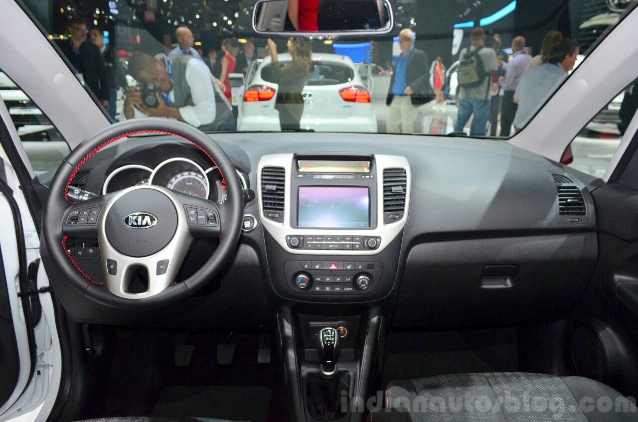 amusing-design-of-the-black-dash-added-with-silver-steering-ideas-with-silver-radio-as-the-kia-venga-2015-interior
