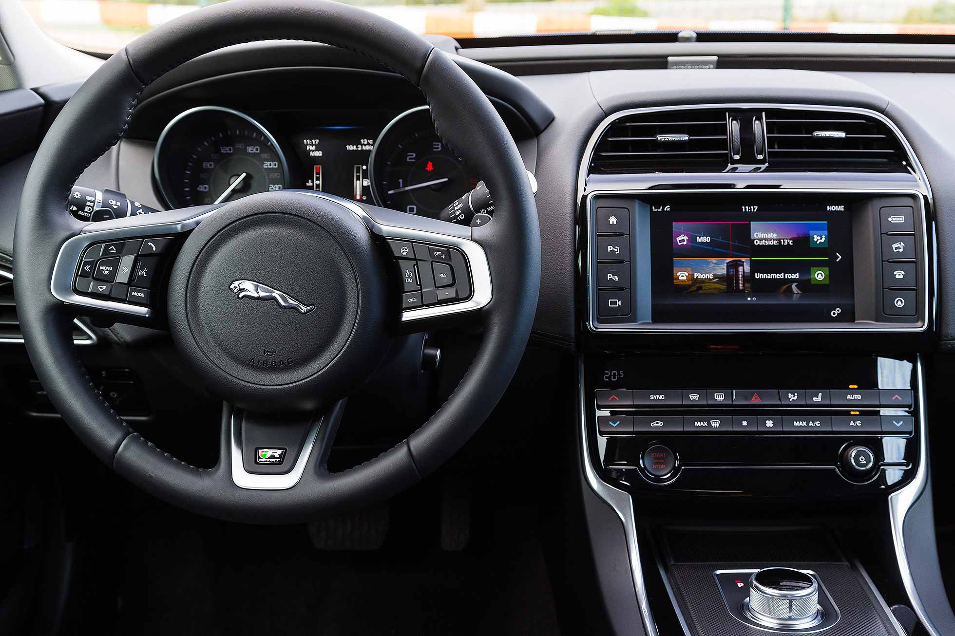amusing-design-of-the-black-dash-ideas-with-black-steering-wheels-ideas-as-the-jaguar-xe-2015-interior