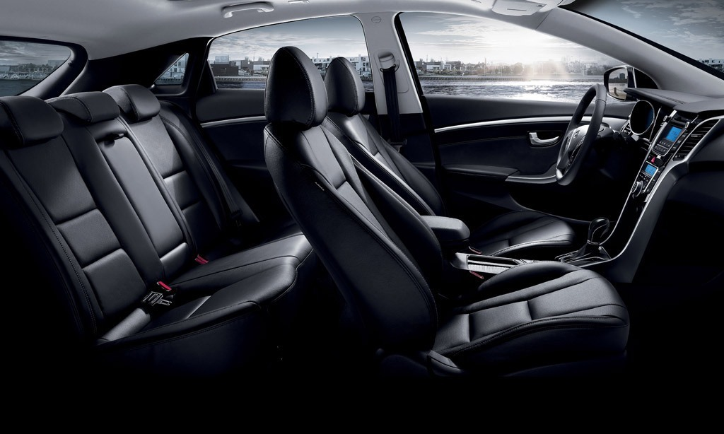 amusing-design-of-the-black-seats-ideas-with-black-dash-as-the-hyundai-i30-2015-interior