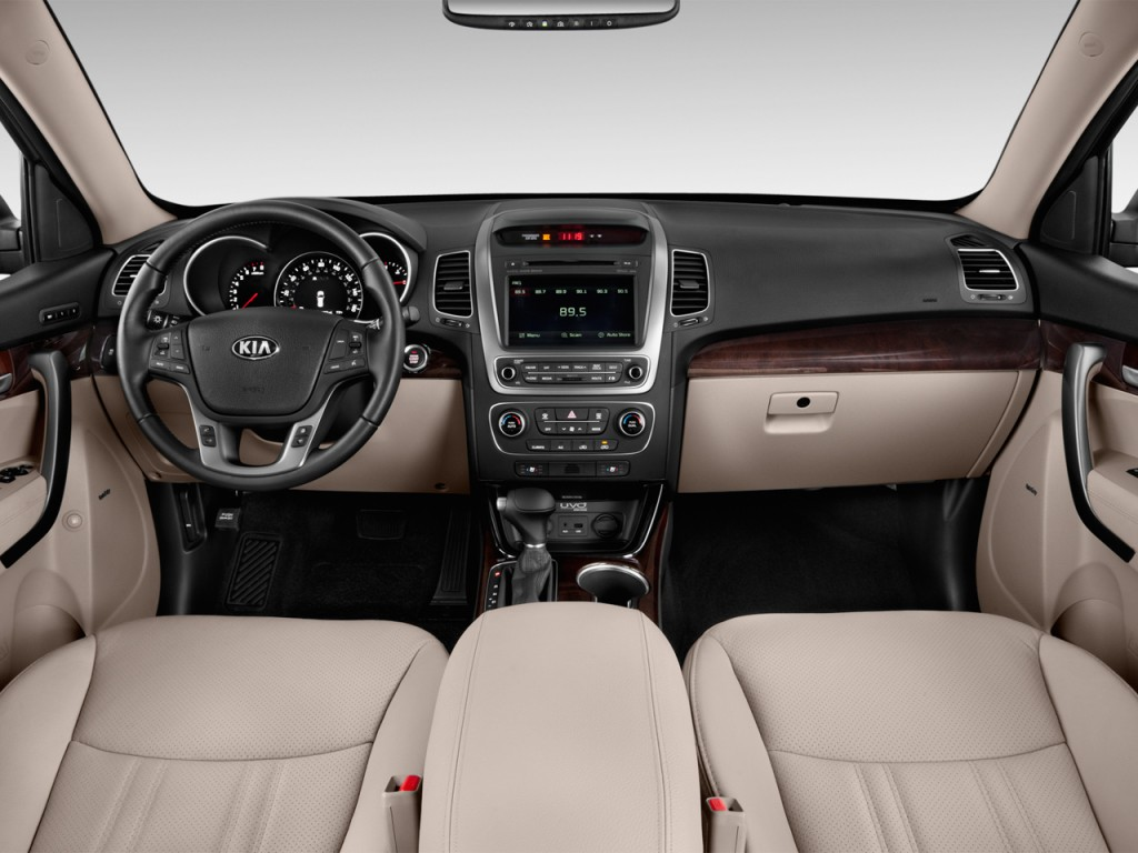 amusing-design-of-the-white-seats-ideas-with-white-and-black-dash-as-the-kia-sorento-2015-interior-ideas