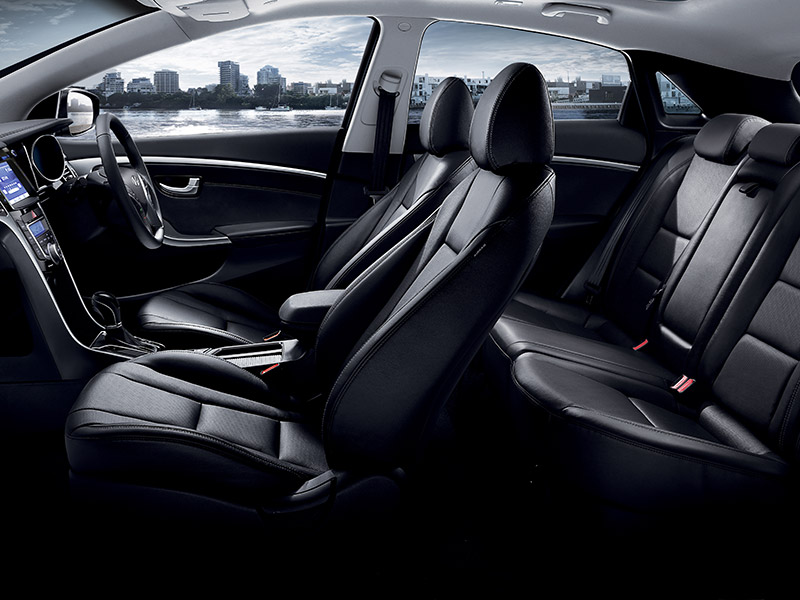 astonding-design-of-the-black-leather-seats-added-with-black-dash-ideas-as-the-hyundai-i30-2015-interior-ideas