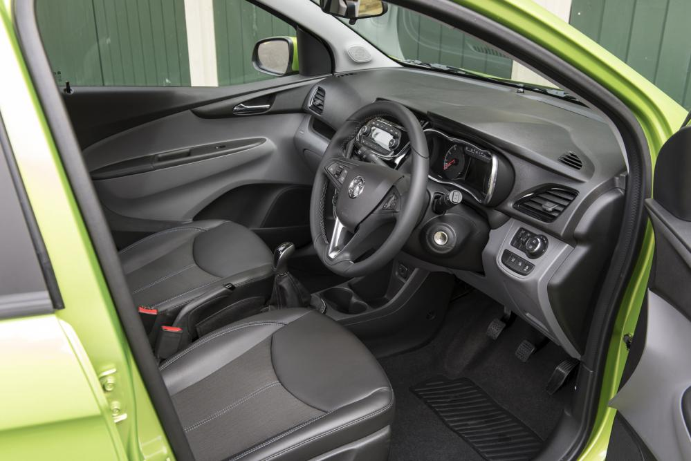 astonishing-design-of-the-balck-steering-wheels-added-with-vauxhall-viva-2015-interior-ideas-with-black-dash