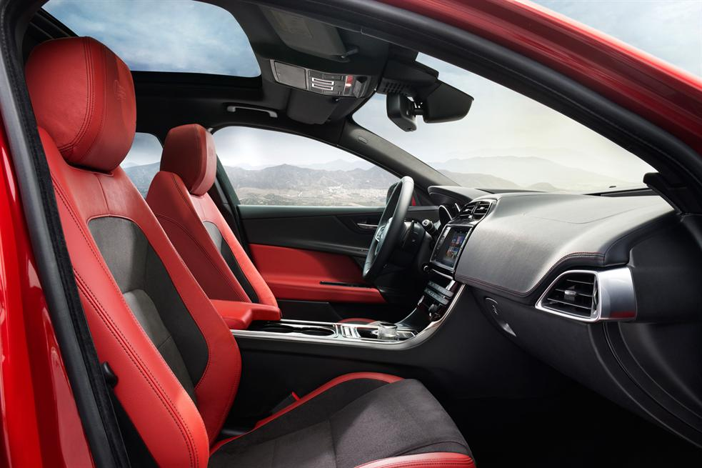 astonishing-design-of-the-black-and-red-seats-ideas-with-black-dash-ideas-as-the-jaguar-xe-2015-interior-ideas