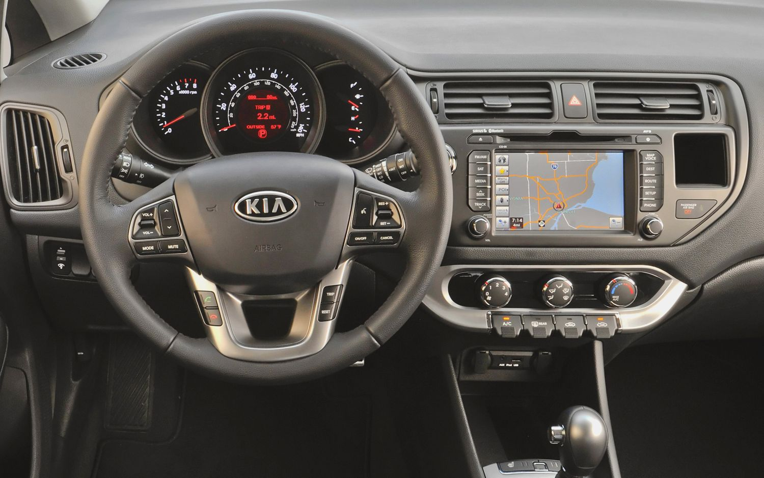 astonishing-design-of-the-black-dash-ideas-with-black-and-silver-steering-wheels-ideas-as-the-kia-rio-2015-interior