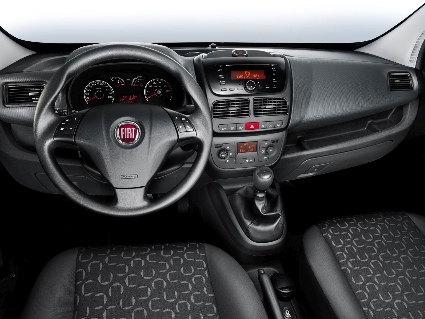astonishing-design-of-the-black-dash-ideas-with-black-steering-as-the-fiat-doblo-2015-interior-ideas