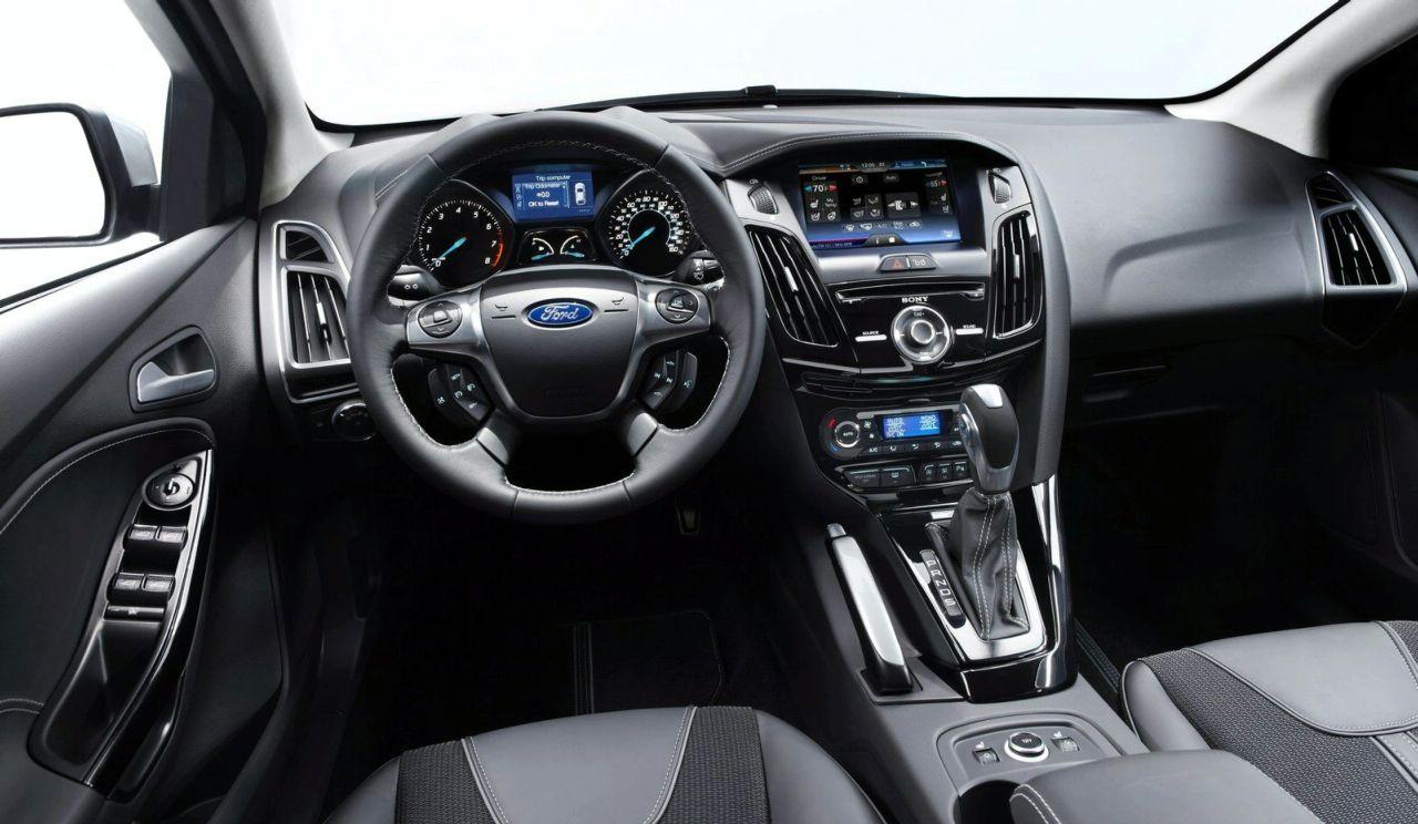 astonishing-design-of-the-grey-seats-ideas-with-black-dash-and-black-steer-ideas-as-the-ford-c-max-2015-interior
