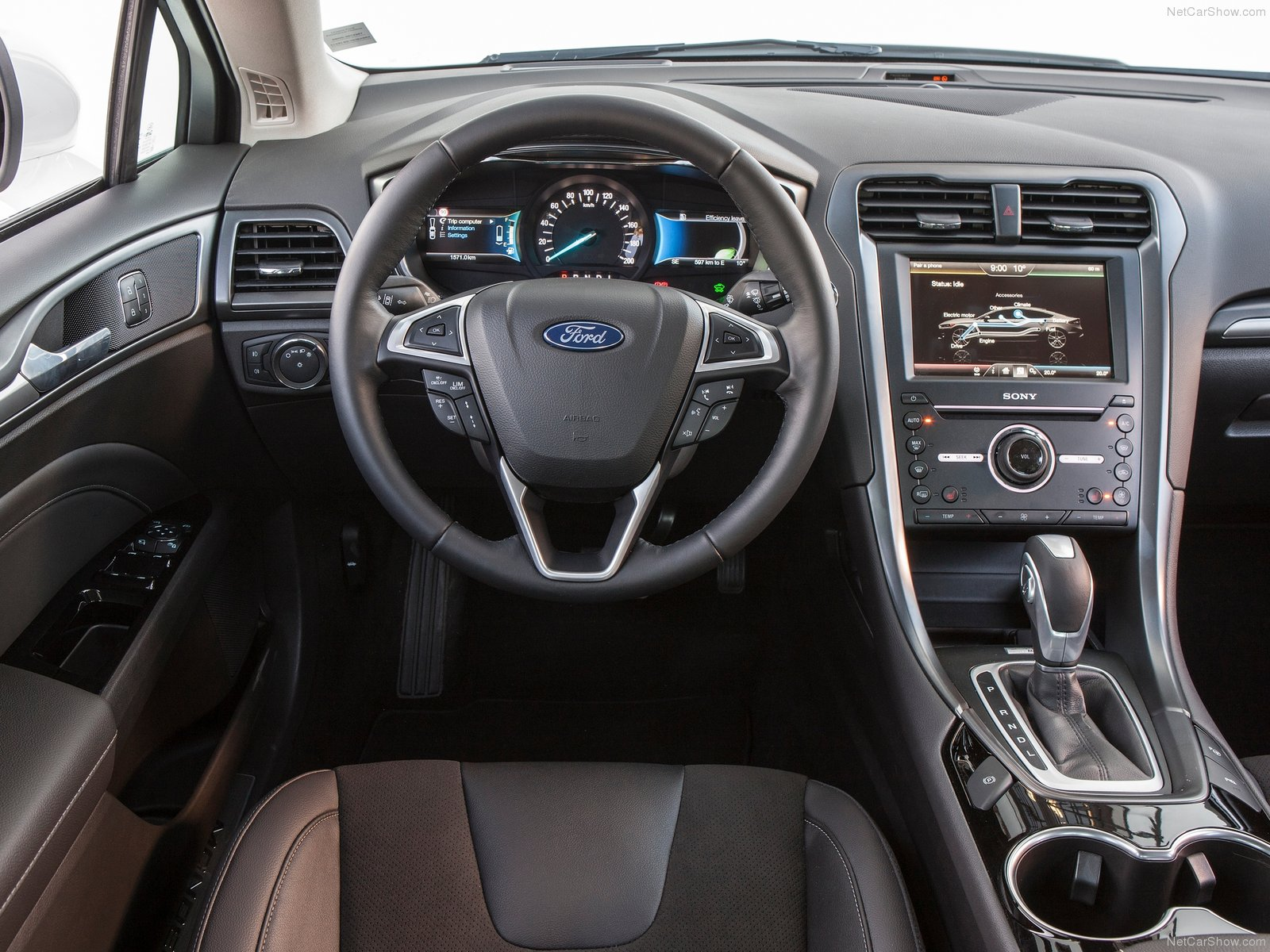 astounding-design-of-the-black-dash-added-with-black-steering-wheels-as-the-ford-mondeo-2015-interior-ideas