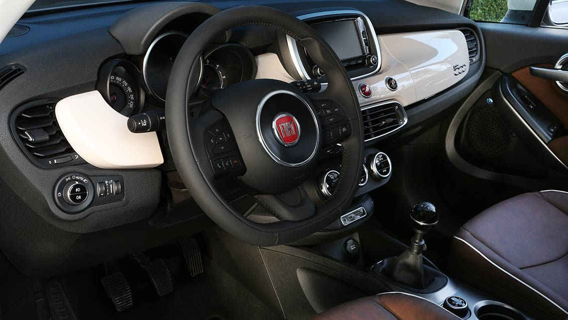 astounding-design-of-the-black-dash-ideas-added-with-white-accents-as-the-fiat-500x-2015-interior-ideas