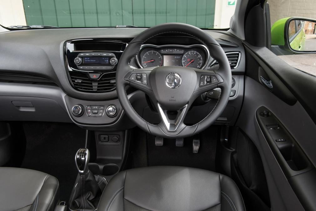 astounding-design-of-the-black-dash-ideas-with-black-steering-wheels-as-the-vauxhall-viva-2015-interior-ideas