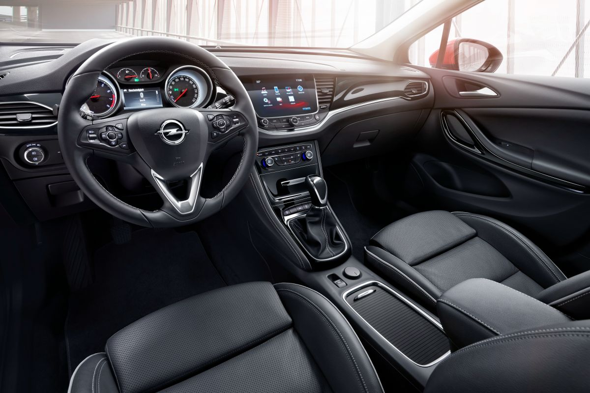 astounding-design-of-the-black-leathers-seats-added-with-black-steering-wheel-vauxhall-astra-sports-tourer-2016-interior