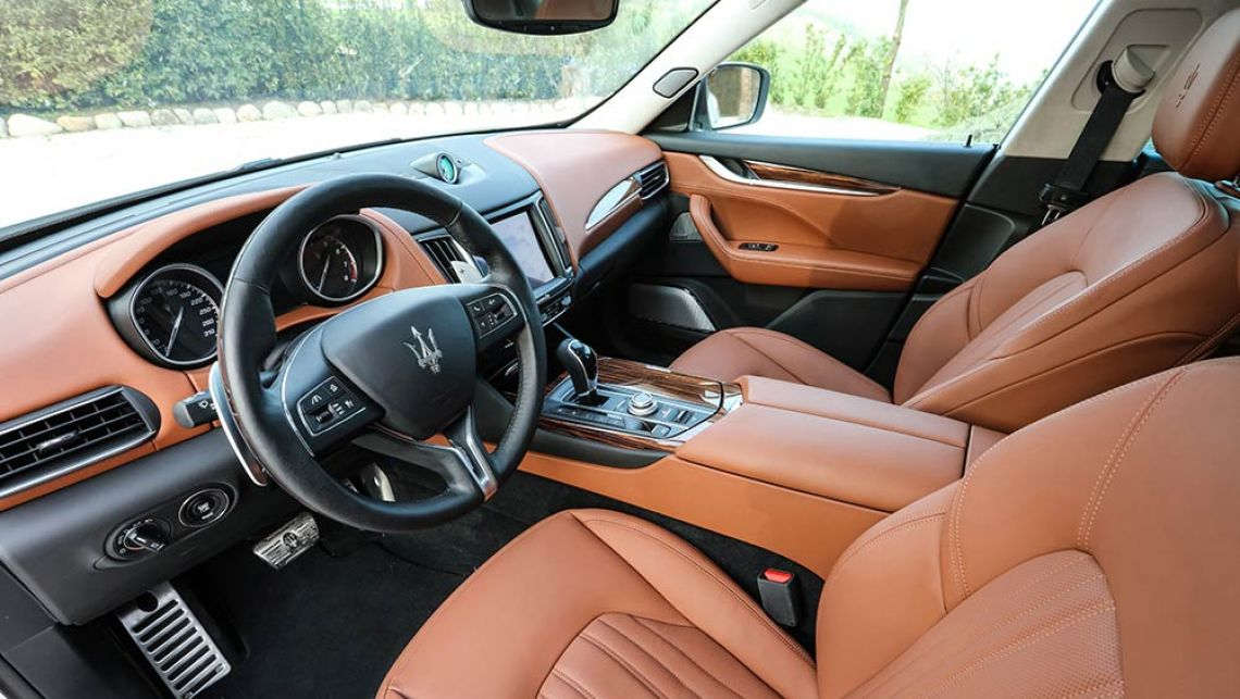 astounding-design-of-the-brown-leather-seats-of-the-maserati-levante-2016-interior-with-brown-and-black-dash-ideas