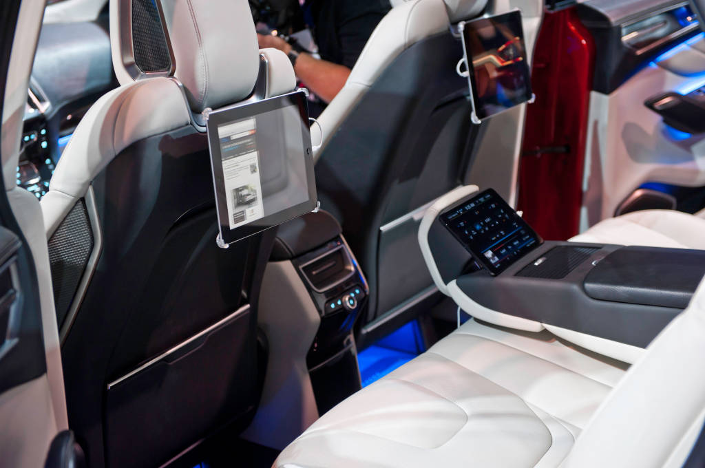 astounding-design-of-the-white-seats-ideas-with-black-accents-ideas-with-blue-lighting-ideas-as-the-ford-edge-2015-interior