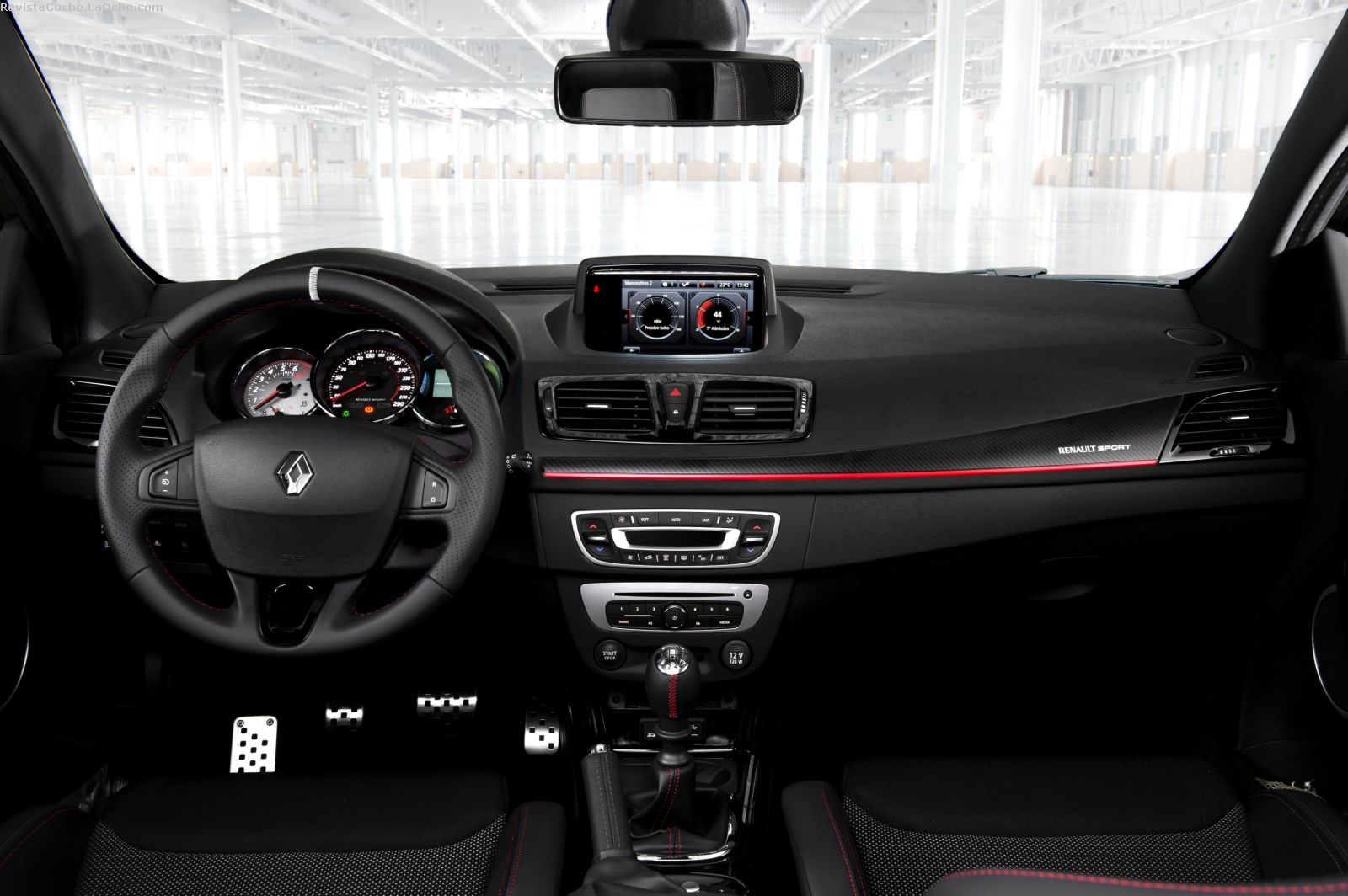 awesome-design-of-the-black-and-red-accent-dash-ideas-with-black-steering-wheels-as-the-renault-megane-hatch-2016-interior