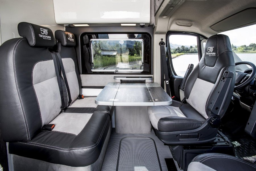 awesome-design-of-the-black-and-white-seats-ideas-added-with-grey-floor-as-the-fiat-doblo-2015-interior