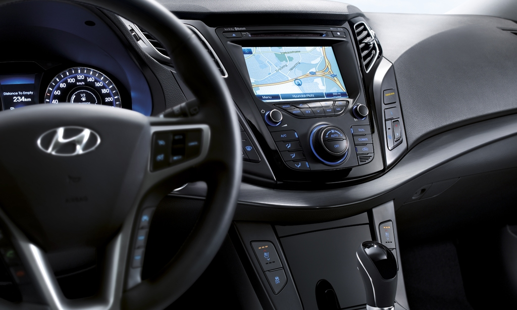 awesome-design-of-the-black-dash-added-with-black-steering-wheels-ideas-as-the-peugeot-308-2014-interior
