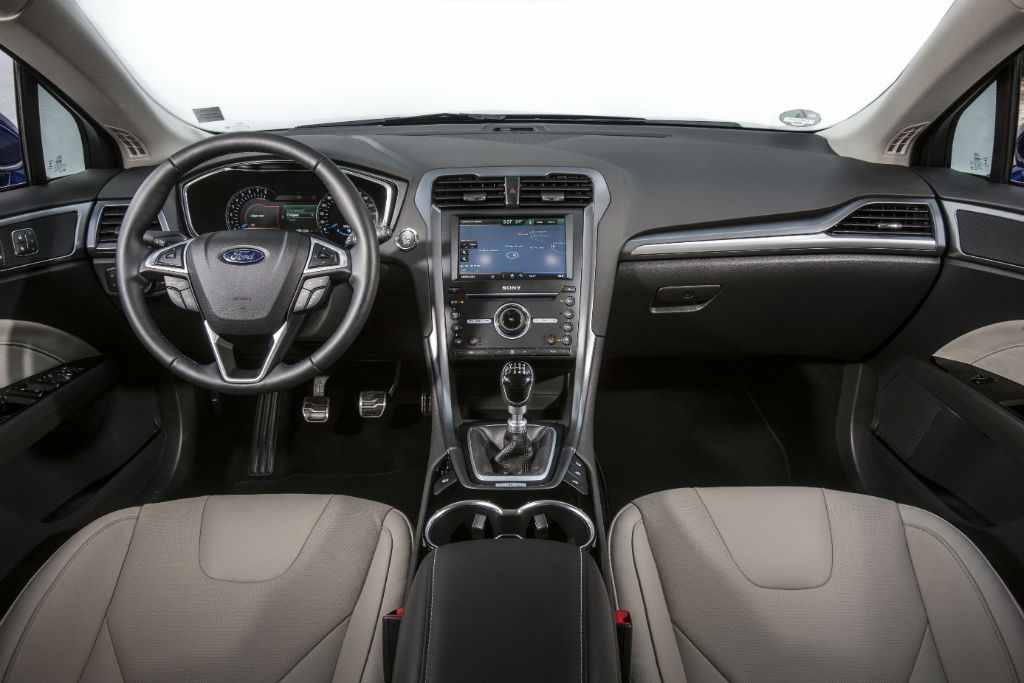 awesome-design-of-the-black-dash-added-with-grey-seats-ideas-with-black-steering-wheels-as-the-ford-mondeo-2015-interior