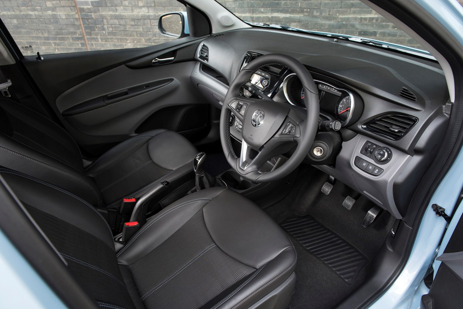 awesome-design-of-the-black-dash-ideas-with-black-seats-ideas-with-black-steering-wheels-as-the-vauxhall-viva-2015-interior