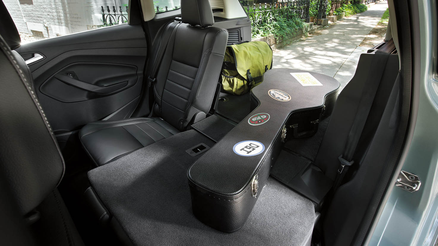 awesome-design-of-the-black-seats-ideas-with-grey-floor-as-the-ford-c-max-2015-interior-ideas