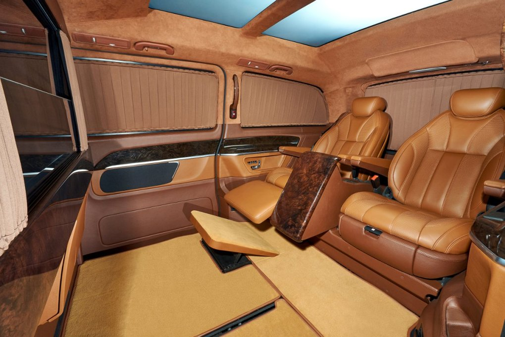 awesome-design-of-the-brown-leather-seats-added-with-brown-floor-as-the-mercedes-benz-v-class-2015-interior