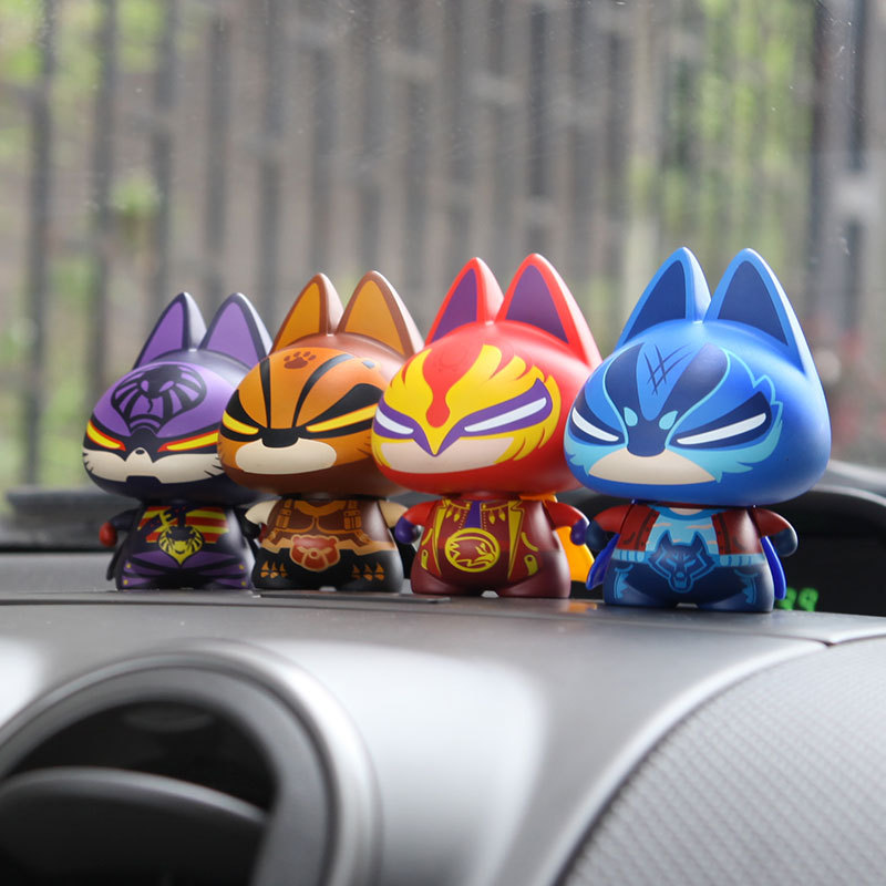 awesome-design-of-the-cartoon-cat-cuper-ideas-as-the-car-interior-decoration-toys
