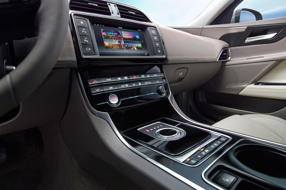 awesome-design-of-the-grey-dash-ideas-with-grey-seats-ideas-as-the-jaguar-xe-2015-interior-ideas