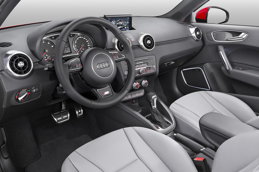 awesome-design-of-the-grey-seats-ideas-with-black-dash-and-steering-wheels-as-the-audi-q1-2015-interior