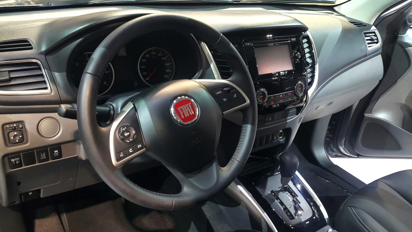 awesome-design-of-the-silver-accent-of-the-dash-added-with-black-steering-wheel-ideas-of-the-fiat-fullback-2016-interior