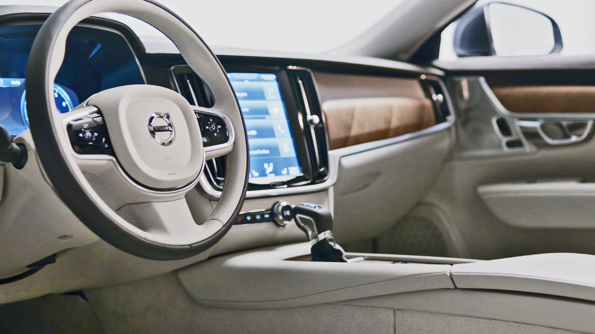 awesome-design-of-the-white-seats-ideas-with-white-steering-wheel-added-with-brown-and-white-dash-as-the-volvo-s90-2016-interior
