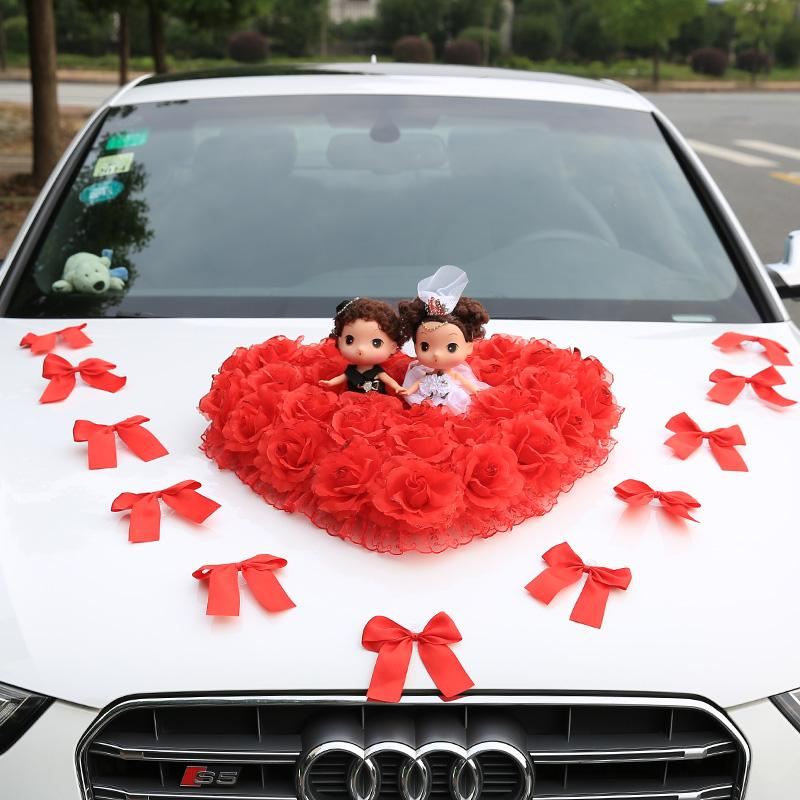 beauty-design-of-the-white-audy-cars-added-with-red-flower-car-decoration-for-wedding-ideas