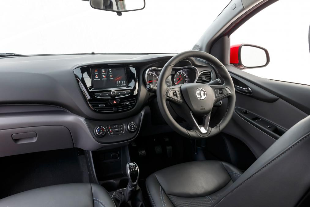 fantastic-design-of-the-black-dash-added-with-black-steering-wheels-ideas-as-the-vauxhall-viva-2015-interior