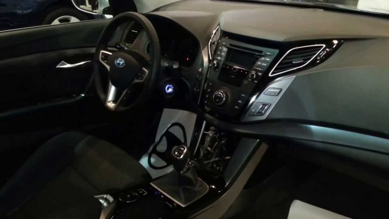 fantastic-design-of-the-black-dash-ideas-with-black-steering-ideas-with-black-seats-ideas-as-the-peugeot-308-2014-interior