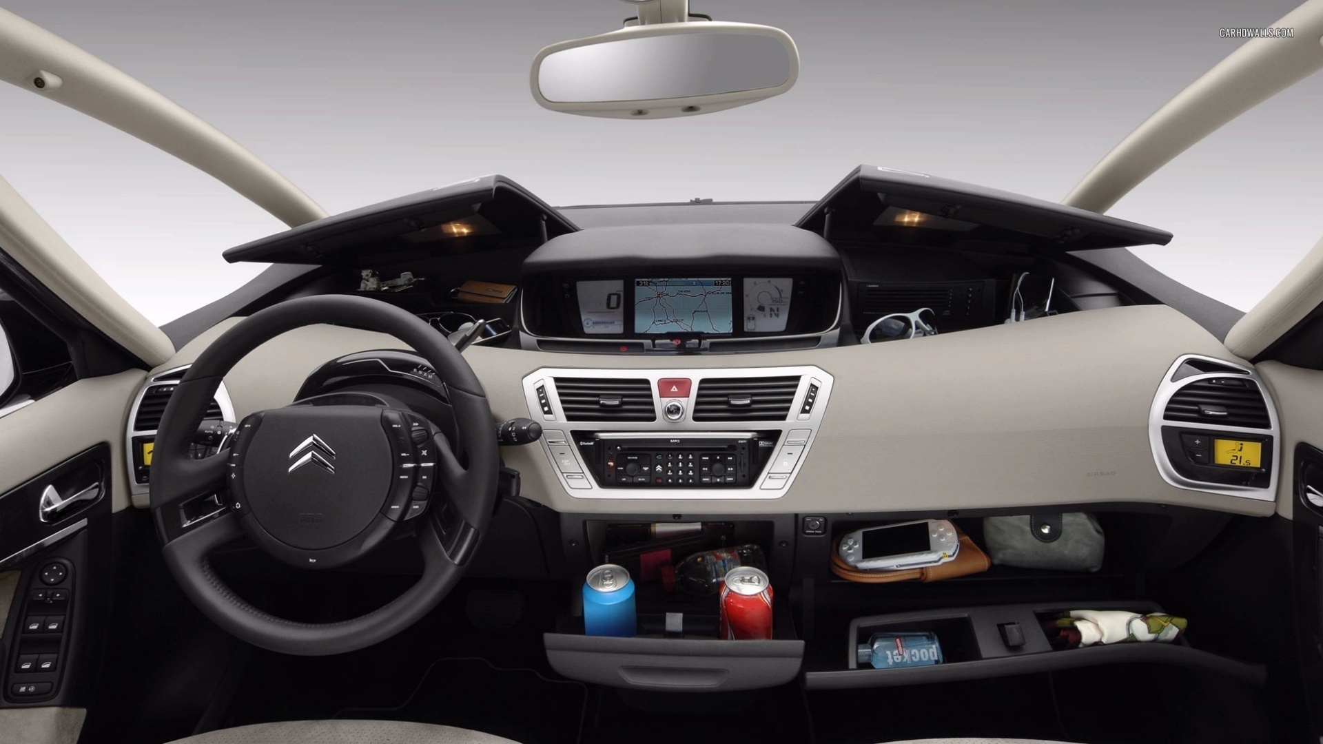 fantastic-design-of-the-white-dash-ideas-with-many-hidden-storage-ideas-as-the-citroen-c4-2015-interior