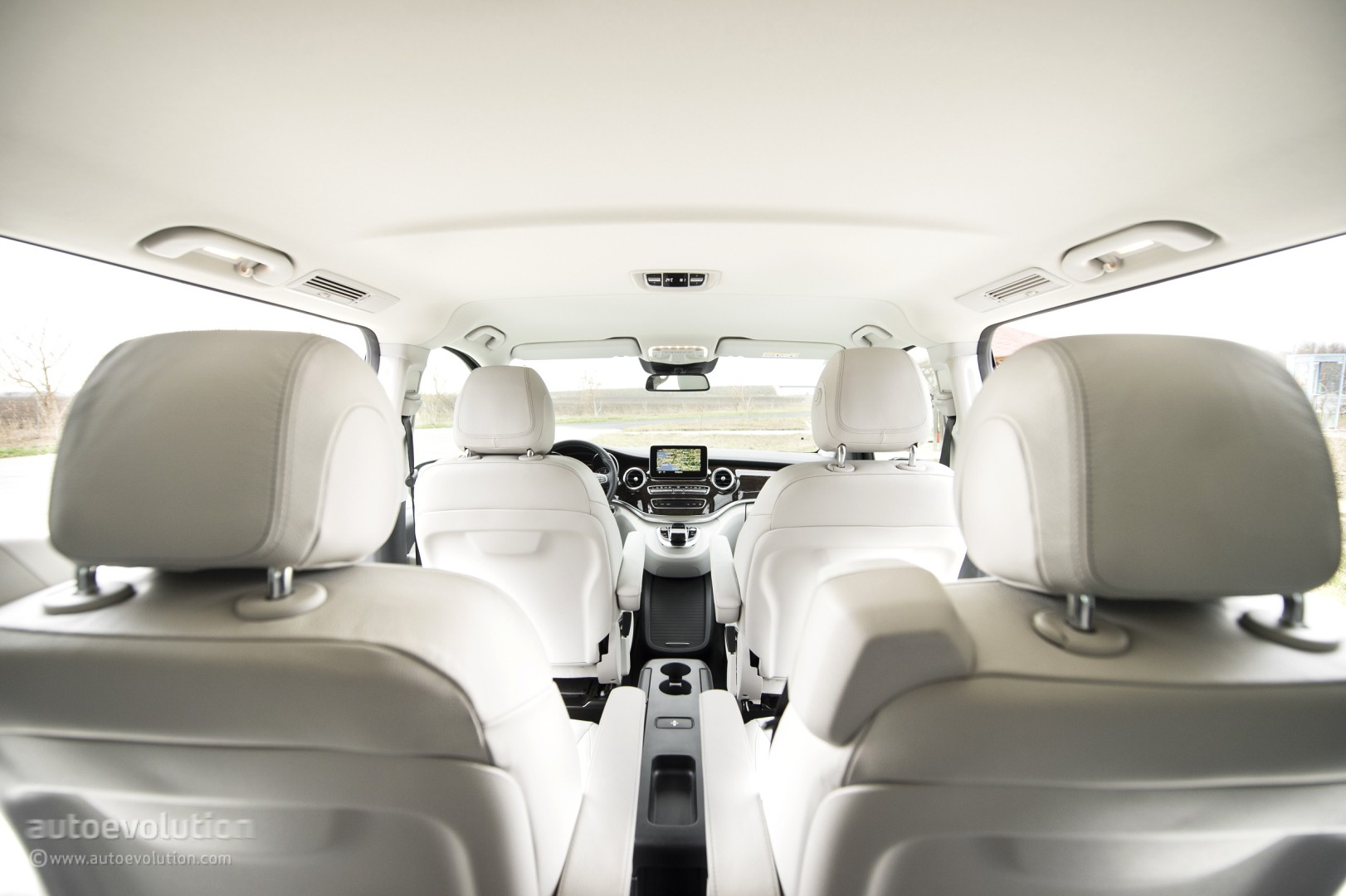 marvelous-desig-of-the-white-seats-added-with-white-ceiling-as-the-mercedes-benz-v-class-2015-interior