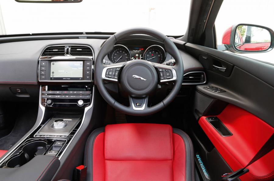 marvelous-design-of-the-black-dash-added-with-red-and-black-seats-as-the-jaguar-xe-2015-interior-ideas