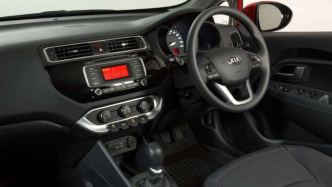marvelous-design-of-the-black-dash-board-ideas-with-silver-accent-on-the-steering-as-the-kia-rio-2015-interior