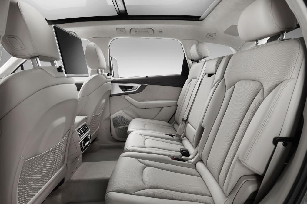 marvelous-design-of-the-grey-seats-ideas-with-leather-materials-as-the-audi-q7-2015-interior-ideas