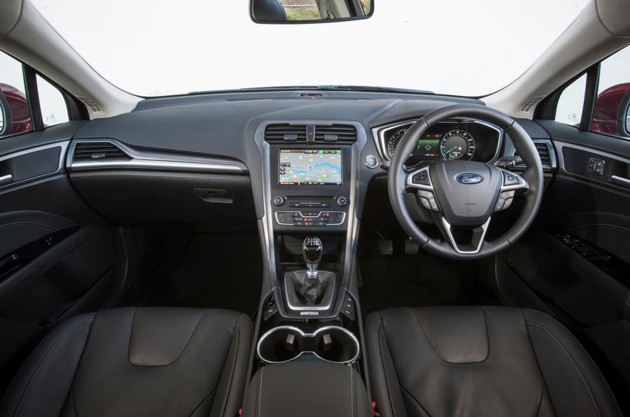 stunning-design-of-the-black-seats-ideas-with-black-dash-added-with-silver-accents-as-the-ford-mondeo-2015-interior-ideas