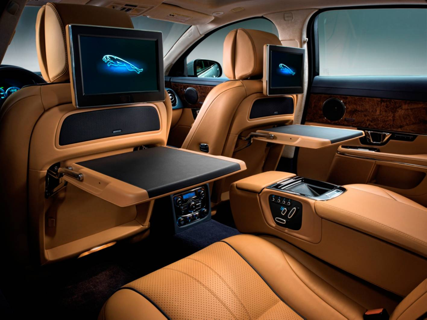 stunning-design-of-the-brown-leather-seats-ideas-with-lcd-at-the-back-as-the-jaguar-xe-2015-interior-ideas